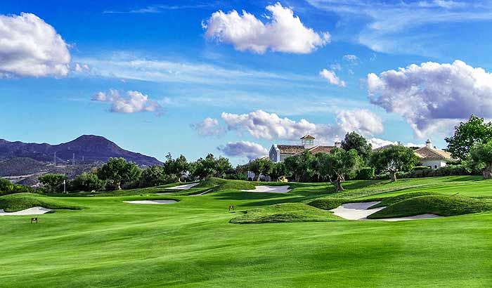 поля для игры в гольф