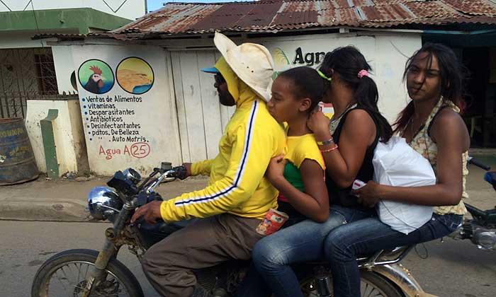 перевозка пассажиров на мотоцикле в доминикане