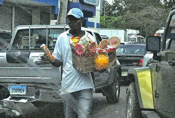 продавцы на дорогах доминиканы