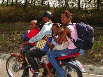 доминиканцы на мотоциклах
