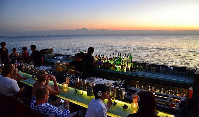 бар на пляже в бали